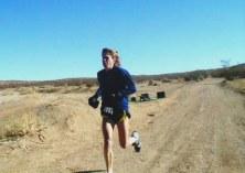 Ann Trason en carrera. Probablemente la mejor corredora de la Historia.