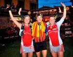 Ultra Cavalls del Vent 2012 meta (izq a dcha) Emelie Forsberg, Nuria Picas y Anna Frost