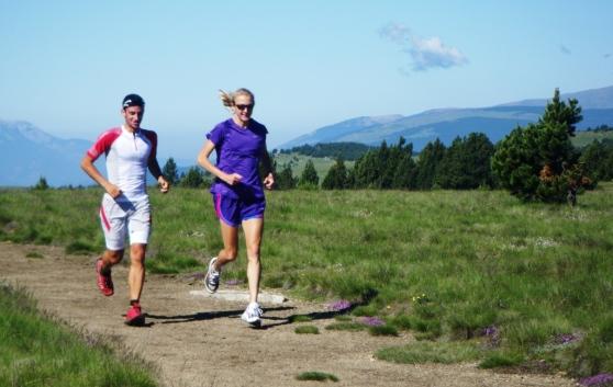 Kilian Jornet y Paula Radcliffe, dos expertos del entrenaminto. Foto: Mayayo