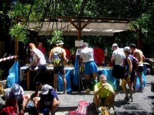 Gran Trail Peñalara 2012: Avituallamiento en carrera.