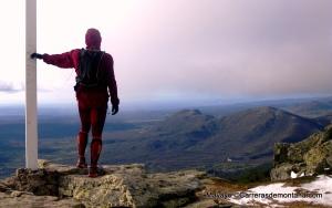 Zapatillas trail NB leadville en la cima del Pico Abantos (1.754m), El Escorial.