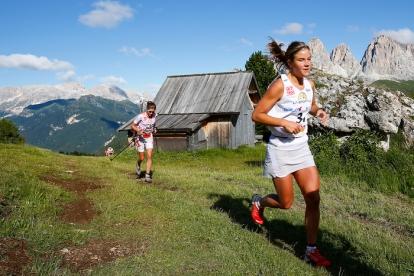 Emelie Forsberg en sky running dolomitas fotos sky race 2012 emelie forsberg meta fotos skialper