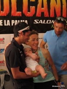 Un imagen simpática de Kilian y Nuria en la rueda de prensa