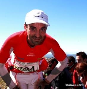 Santi Obaya equipo Race Land en zegama 2013 llegando al aizkorri. Foto: Kataverno.
