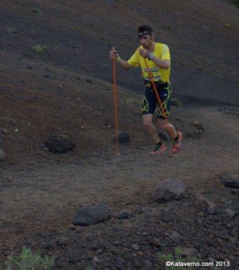 Adidas Trail Running, Luis Alberto Hernando en transvulcania 2013 fotos memphismadrid para carrerasdemontana (75) luis alebrto hernando camino de las deseadas
