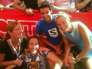 Nuria Picas, Emelie Forsberg y Kilian Jornet en meta Trans D´Havet 2013. Foto Nuria Picas