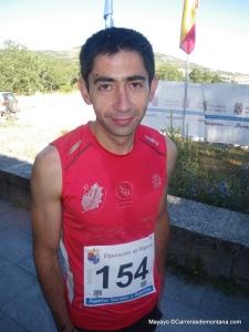 Kilómetro Vertical Peñalara 2013  Oscar Baeza esperando la salida.