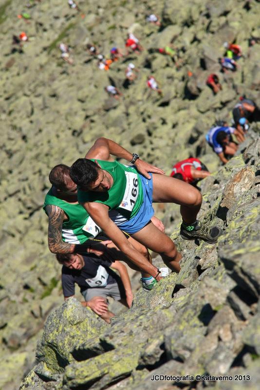 Kilómetro vertical Peñalara 2013: Alejandro y Julio en las últimas rampas a cima.