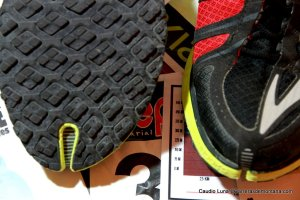 08-zapatillas trail brooks pure grit 2 fotos claudio luna carrerasdemontana (5)