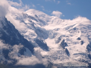 Las cimas alpinas, vistas desde Chamonix.