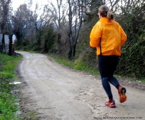 entrenamiento trail running carrera continua suave