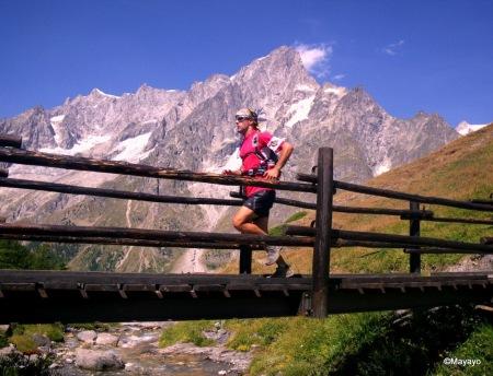 """La Montaña no es justa, ni injusta. Es peligrosa."" Tour Mont Blanc, tramo ref. Bonatti a Bertone."