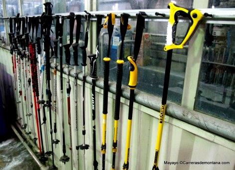 Gama bastones Grivel en la factoría de Aosta.