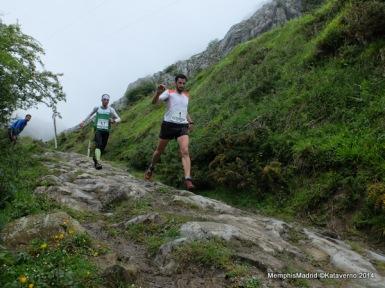 Kilian Jornet y de Gasperi volando hacia Sancti Spiritu. Foto: MemphisMadid