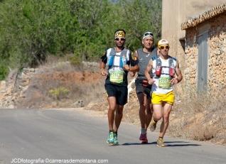 Heras, Caballero y Morales rodando  hacia el km60 de la CSP115.