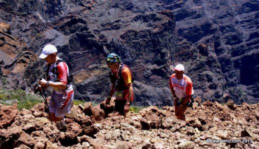 Corredores populares de  nivel avanzado llegando al Roque de los Muchachos en 2013