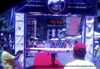 Gran Trail Aneto 2014: Diego Gomez llegando a meta Vuelta al Aneto