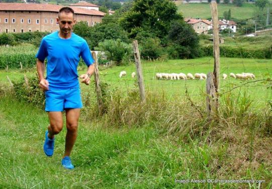 Imanol Aleson ficha por el Haglofs trail running team.