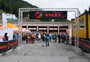 Swiss Iron trail 2014: Salida 201k desde el centro de Davos.