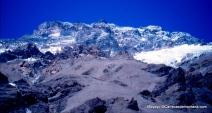 Aconcagua visto desde cercanía Plaza de Mulas (4.200m) Foto: Mayayo