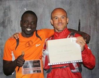 Abdoul y Óscar  a su llegada a Bilbao.  Foto: Ecuador Etxea