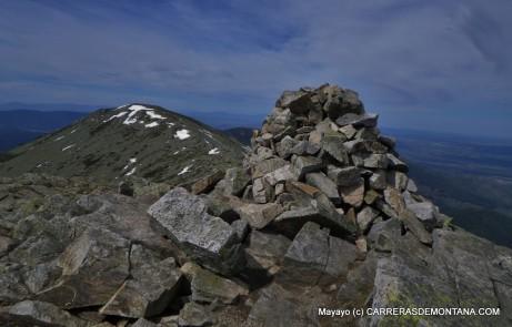 Cima de la Pinareja y panorámica hacia Peña del Oso.