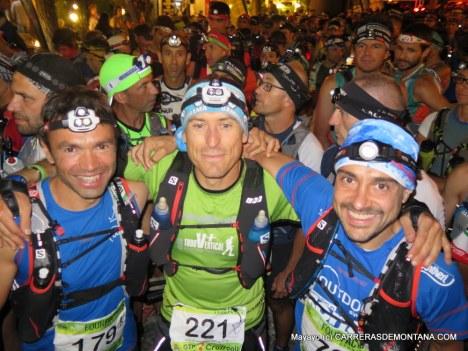 Elites y populares, disfrutando el ambiente en la salida del Gran Trail Peñalara