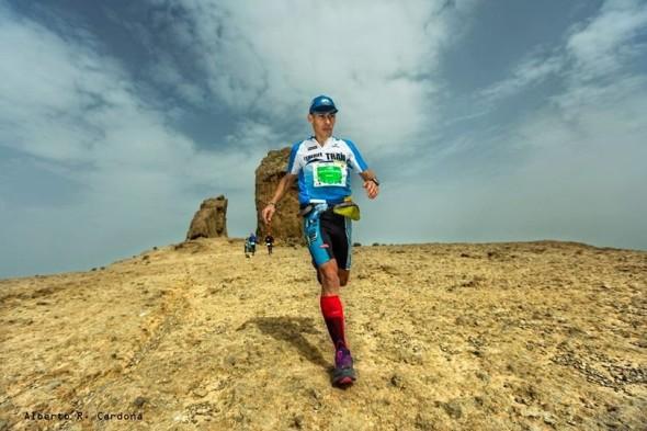 David Lutzardo en plena Transgrancanaria al paso por Roque Nublo