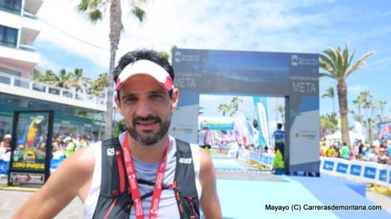 Alex Fraguela, subcampeón Tenerife Blue trail 97km. Foto: Mayayo.