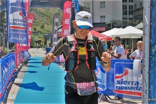 Gediminas en meta Maratón Sierra Nevada. Foto: Mayayo (C) Carrerasdemontana.com