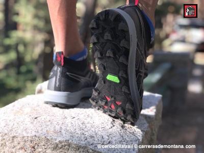 Zapatillas Asics Fuji Trabuco Pro (4)